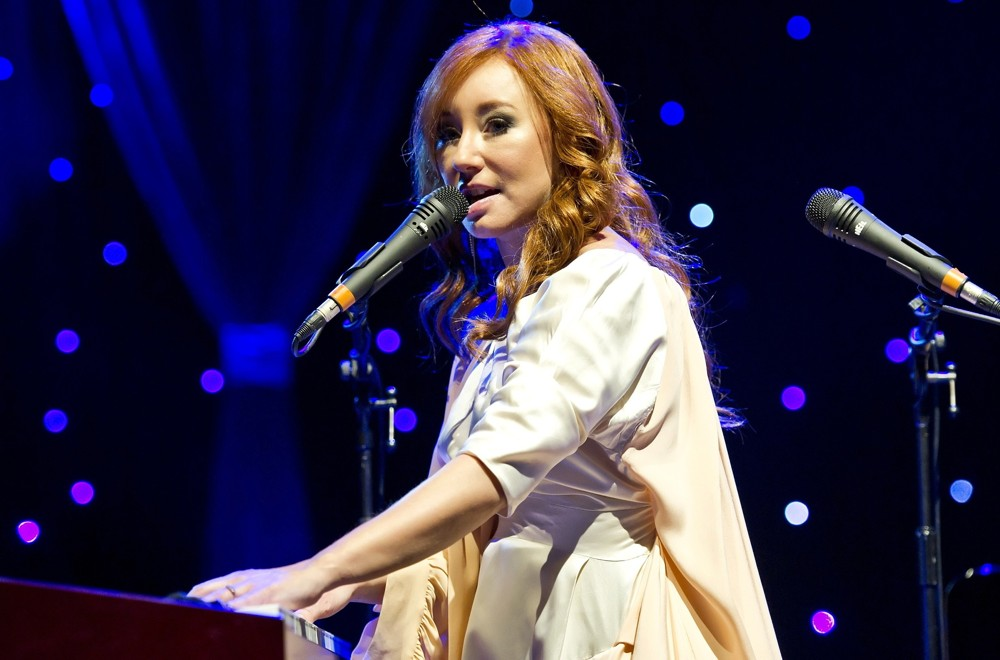 tori-amos-performs-live-at-royal-albert-hall-01