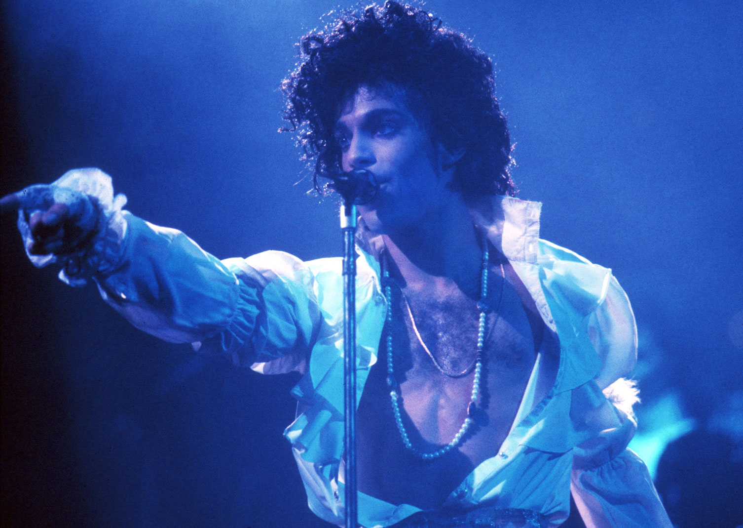 _prince-performs-live-at-the-fabulous-forum-in-inglewood